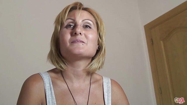دختر خانه دار برهنه سخت لعنتی می شود لینک سوپر گروه سکسی