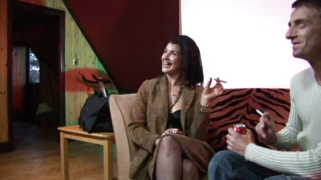 جیمی لین با موهای بلند در انتخاب بازیگران نقش دهان و گربه را کانال تلگرام پر از فیلم سکسی بازی می کند