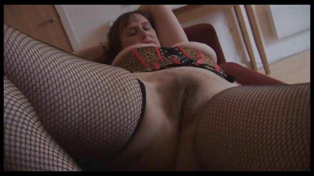سلام لیدی باوی-جوان لبیک داغ آسیایی در بی کانال سکسی ها بی سی لعنتی و تقدیر کرد
