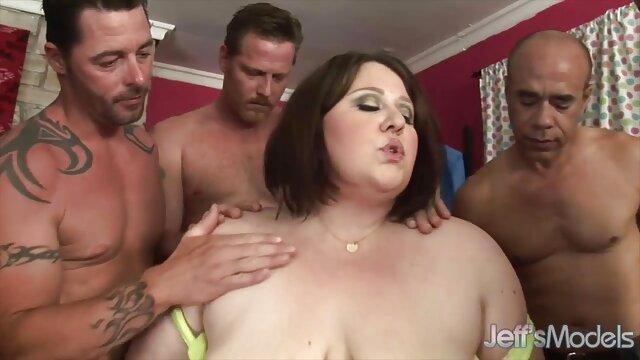 دو دوست صمیمی در تعطیلات وارد خانه دی جی برای سه بهترین کانال های پورن تلگرام نفری وحشی می شوند
